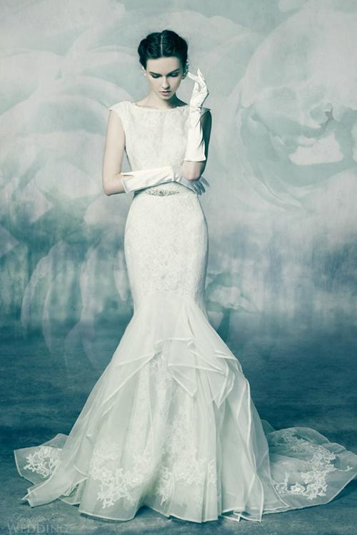 Váy cưới ren đẹp lộng lẫy như viên kim cương