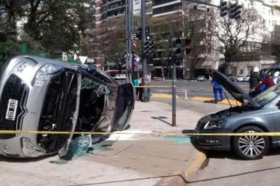 Hiện trường tai nạn xe hơi nghiêm trọng của Ivan Zamorano.