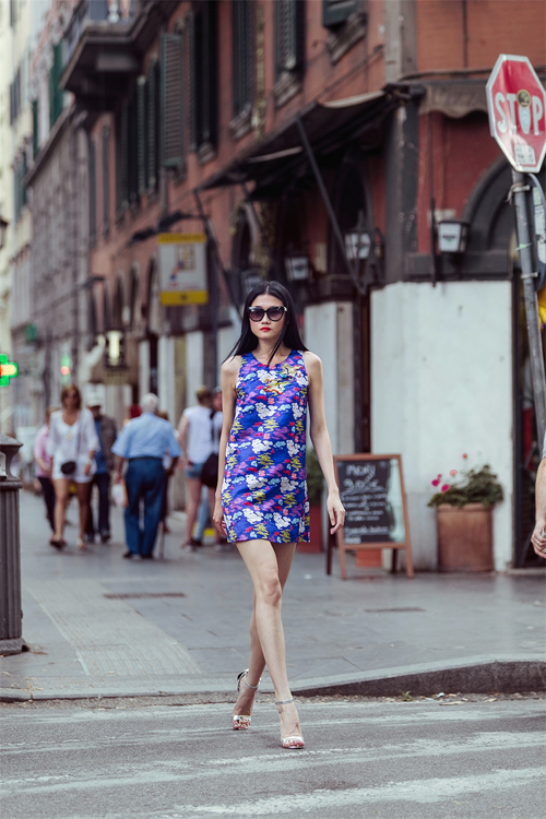 Kha Mỹ Vân với street style nổi bật ở Italy