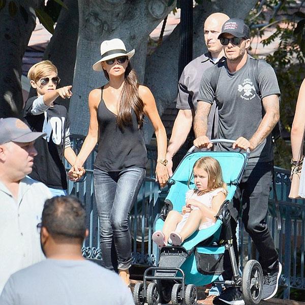 Cả nhà Becks cùng nhau đi chơi Công viên Disneyland hồi tháng 8.