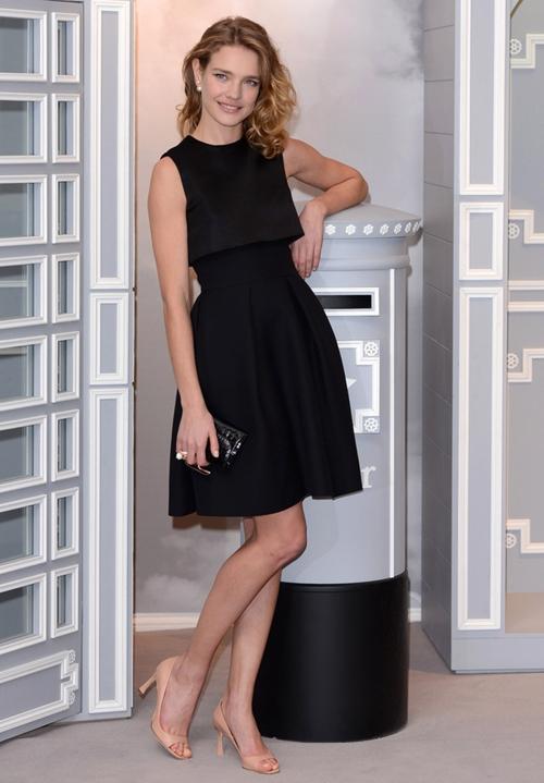 Natalia-Vodianova-Dresses-Skir-2701-3147