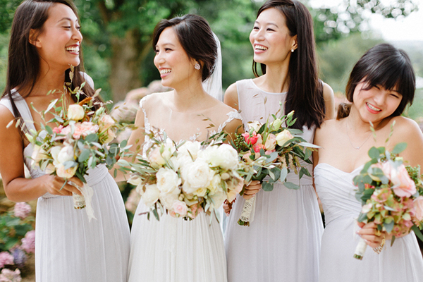 10 cách giữ mái tóc đẹp cho cô dâu ngày cưới