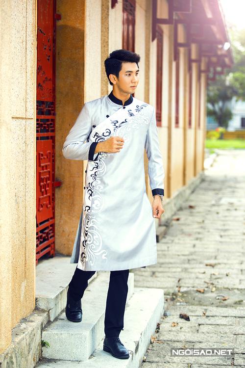 Khương Toàn điển trai diện áo dài cưới