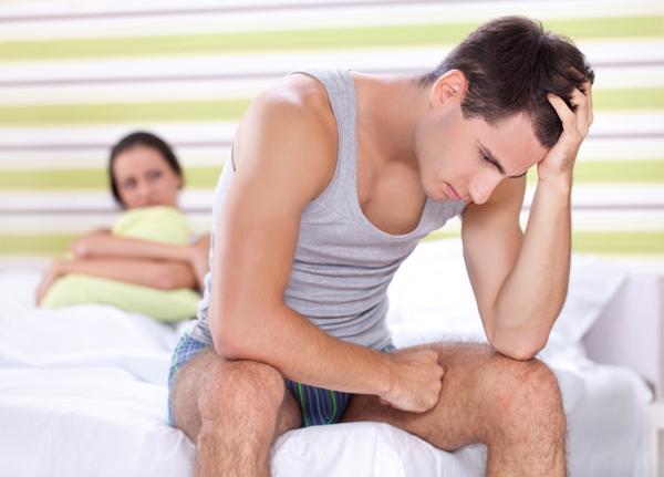 Yếu 'chuyện ấy', nhiều ông chồng bị vợ nghi ngoại tình