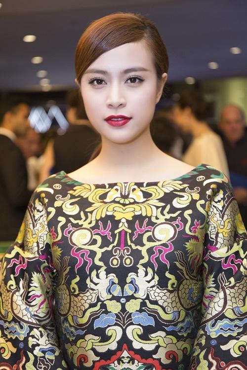 Hoang-Thuy-Linh-2799-1443000270.jpg