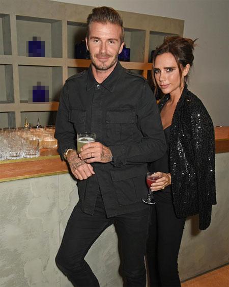 Cựu ca sĩ nhóm Spice Girls cũng đăng ảnh chụp với chồng