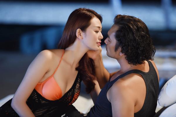 [Caption]Tuy nhiên, nhà biên kịch, đồng đạo diễn - Châu Thổ cho biết, chị và Việt Trinh đã buộc lòng cắt hơn ½ cảnh nóng vì sợ khán giả hiểu nhầm Trót yêu& dùng yếu tố sex để câu khách, cũng như để phù hợp với đối tượng khán giả ở mọi độ tuổi, không bị dán nhãn phim 16+, hay 18+.