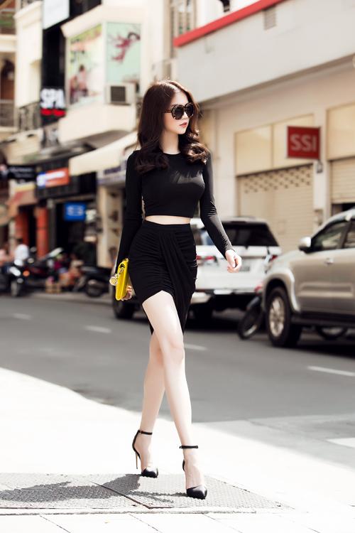 ngoc-trinh-4-6047-1443615948.jpg