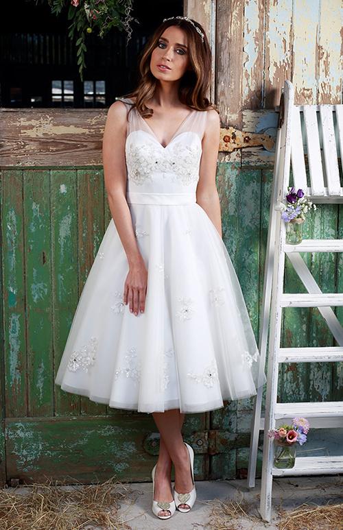 Váy cưới bồng bềnh đa phong cách cho cô dâu
