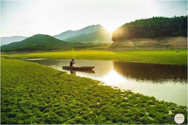 Chụp ảnh cưới đẹp tại hồ Hòa Trung, Đà Nẵng