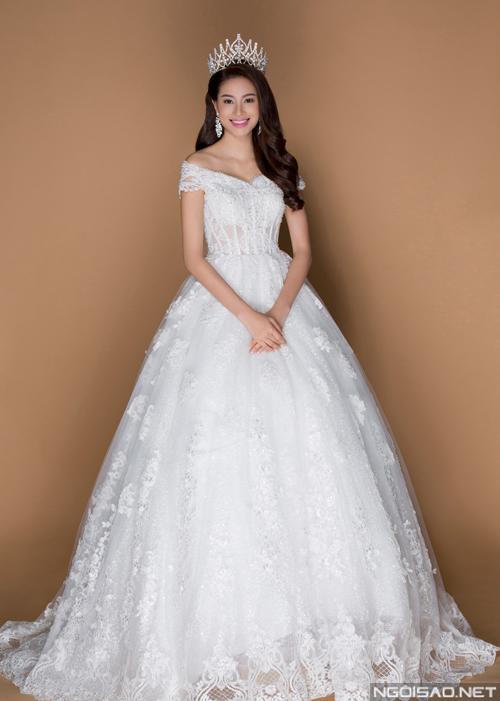 Hoa hậu Phạm Hương đẹp như công chúa với váy cưới