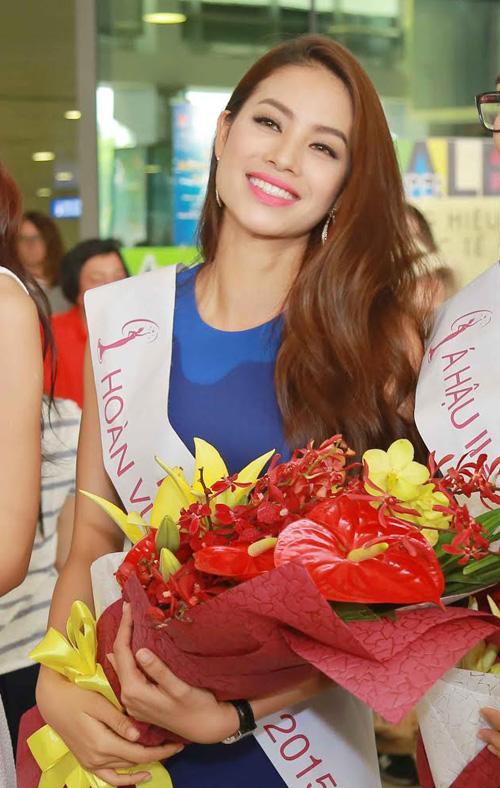 [Caption]Hoa hậu Phạm Hương là một trong những thí sinh có lối trình diễn tự tin, thu hút nhất. Cô cao 1m74, nặng 52kg,