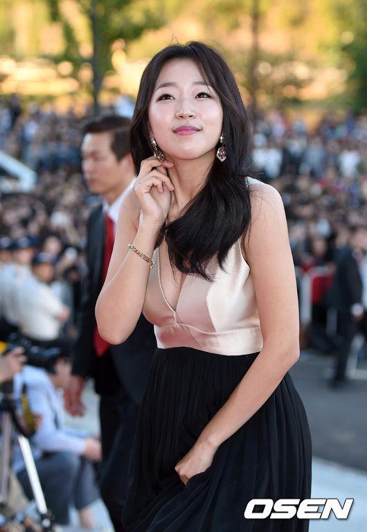 Joo-Soo-Ah-3629-1444448644.jpg