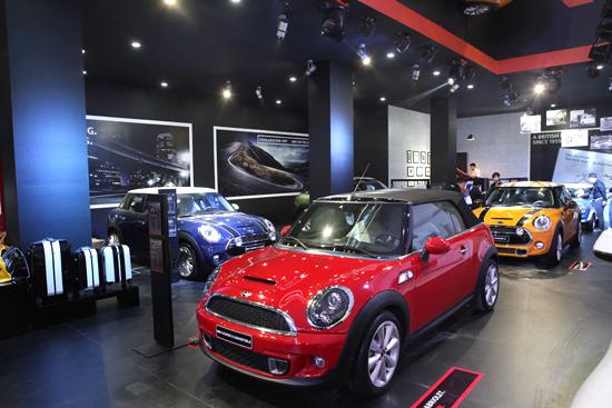 Xe cổ MINI ở triển lãm ôtô quốc tế Việt Nam