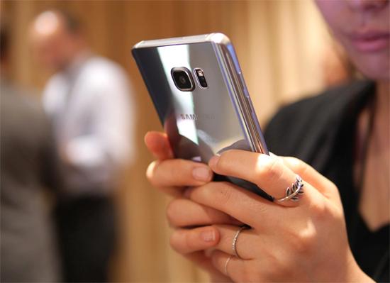Galaxy Note 5 màu bạc chính hãng lên kệ