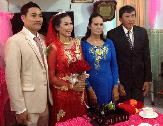Cựu nữ hoàng điền kinh Thanh Hằng lên xe hoa