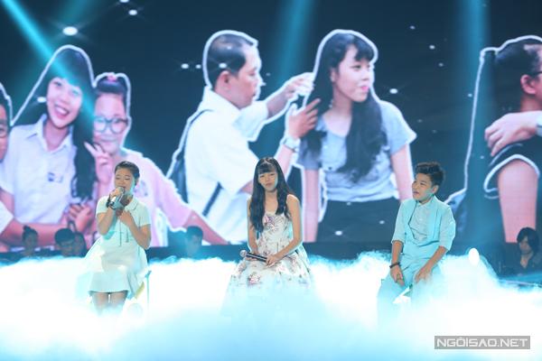Thảo Hồ hòa giọng cùng hai học trò của đội Dương Khắc Linh với ca khúc Con mãi khắc ghi do chính em sáng tác.