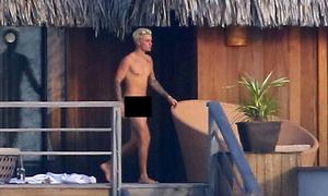 Bieber: 'Không thể hiểu họ chụp ảnh nude của tôi như thế nào'