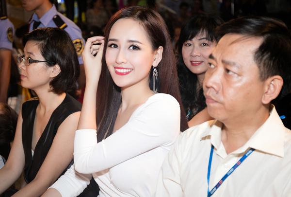 mai-phuong-thuy-4-2125-1445173770.jpg
