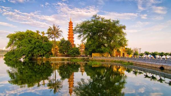 Chùa Trấn Quốc - ngôi chùa cổ nhất Việt Nam. Ảnh: Daily Telagraph.