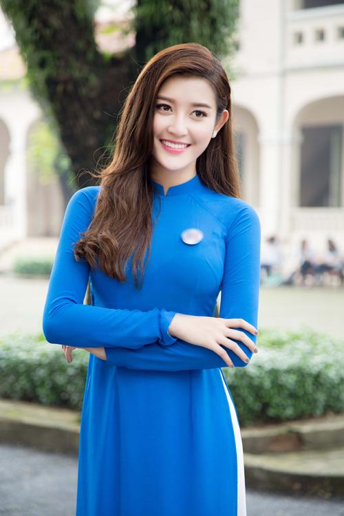 huyen-my-diu-dang-trong-ao-dai-1