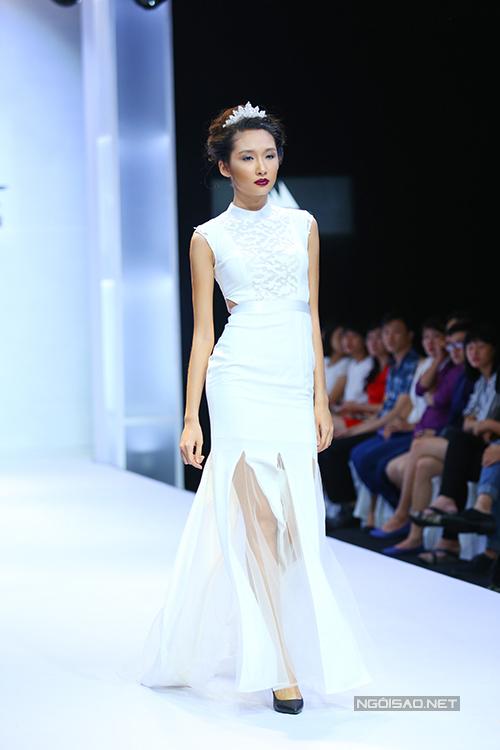 diem-huong-lam-nu-hoang-tren-san-catwalk-3