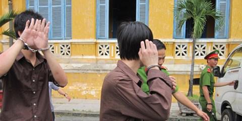 Vụ án ly kỳ nữ sinh bị hiếp dâm tập thể rồi tự tử