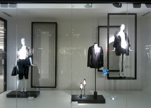 vai-tro-cua-window-display-trong-thoi-trang-2