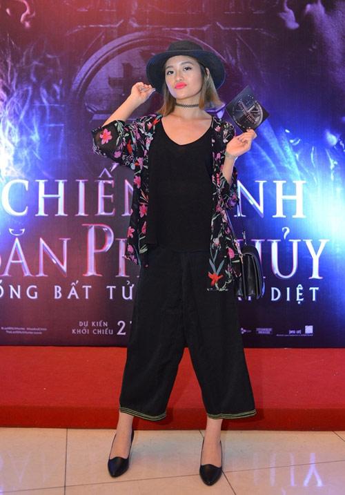 Trang phục xấu của showbiz Việt tuần qua