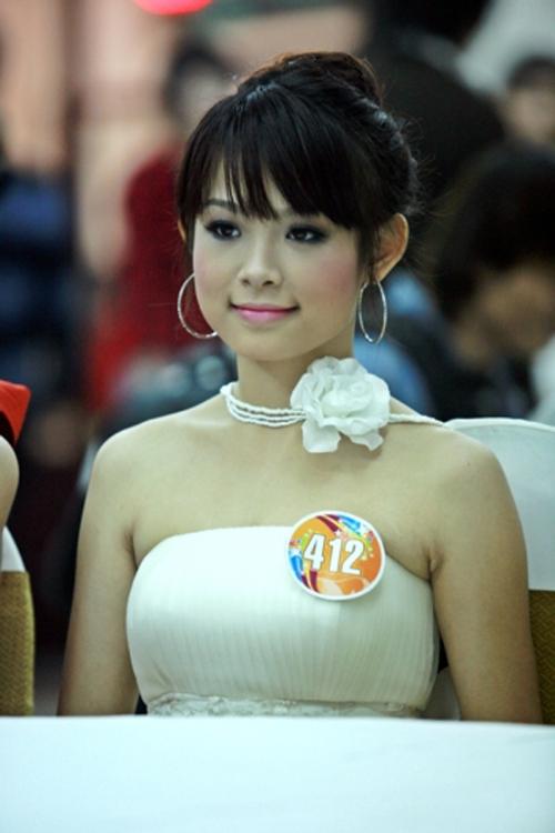 3-hot-girl-dinh-dam-mot-thoi-lot-xac-nho-dao-keo-4