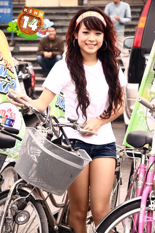 3-hot-girl-dinh-dam-mot-thoi-lot-xac-nho-dao-keo-5