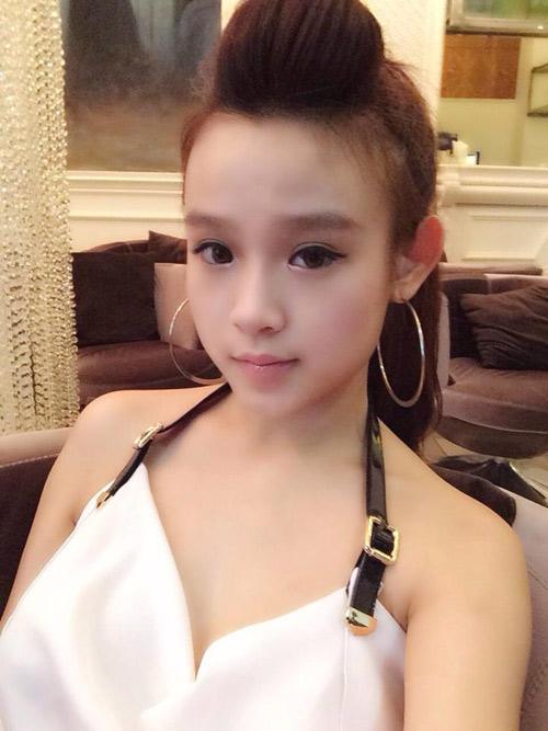 3-hot-girl-dinh-dam-mot-thoi-lot-xac-nho-dao-keo-7