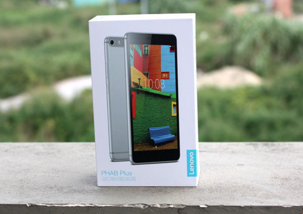 mo-hop-smartphone-khong-lo-lenovo-phab-plus