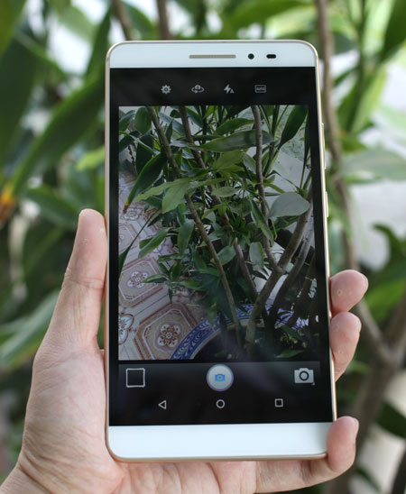 mo-hop-smartphone-khong-lo-lenovo-phab-plus-11