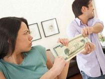 Tranh cãi về người chồng 'chia đôi cả tiền gói muối'