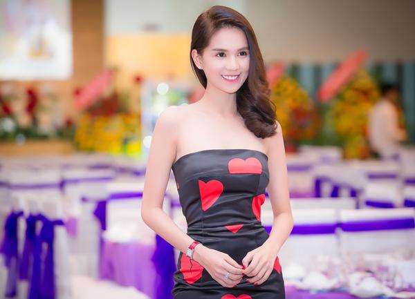 2-ngoc-trinh2-7929-1446215787.jpg