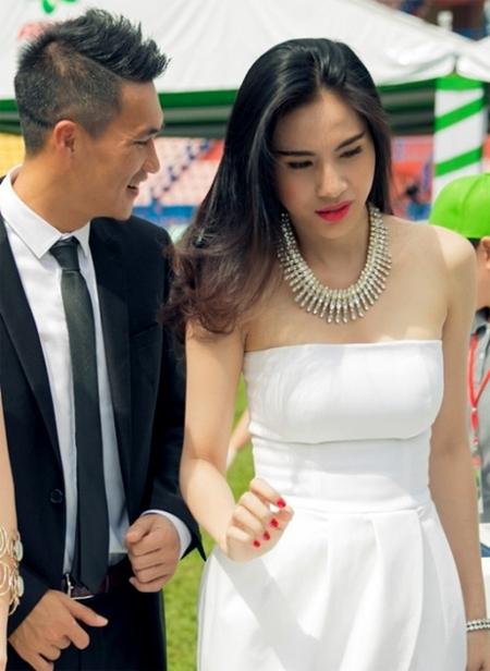 banh-gao-nha-cong-vinh-thuy-tien-lan-dau-lo-mat-1