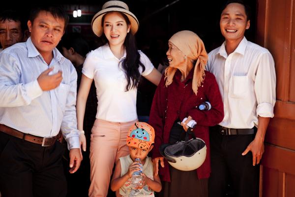 ly-nha-ky-trao-nha-tinh-thuong-o-tay-nguyen-9