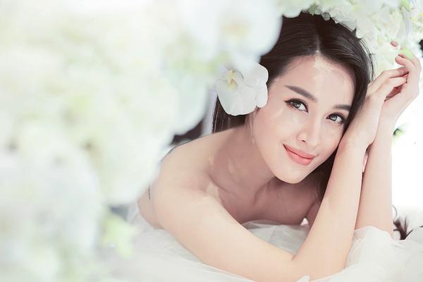 Tú Vi chọn makeup cưới trong veo như thiên thần