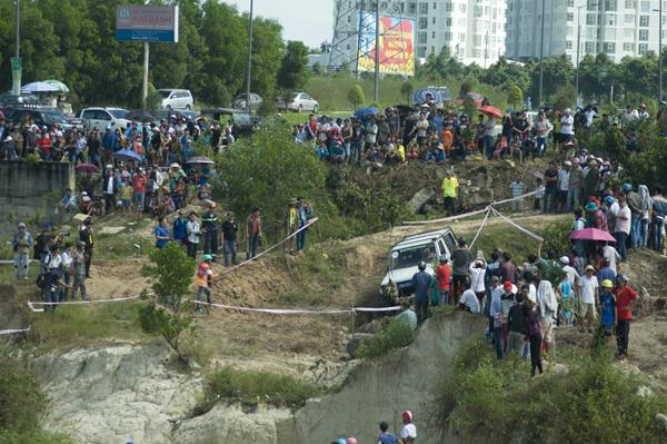 RFC Vietnam 2015 là giải đua ô tô địa hình quốc tế duy nhất và chuyên nghiệp nhất  tại Việt Nam, nằm trong hệ thống giải Rainforest Challenge (RFC) toàn cầu, được tổ chức trên khắp thế giới với sự kiện chính tại Malaysia vào tháng 12 hàng năm.