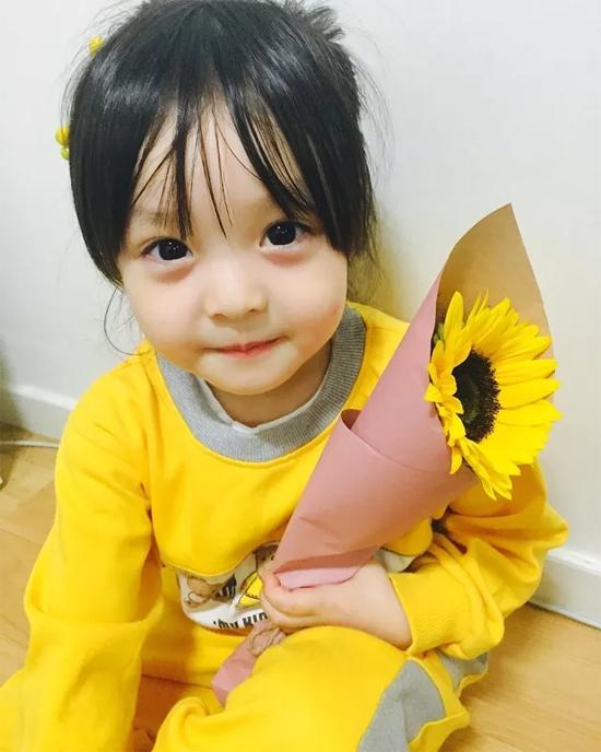 be-3-tuoi-tro-thanh-hien-tuong-tren-instagram-9