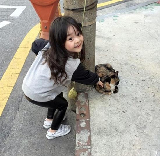 be-3-tuoi-tro-thanh-hien-tuong-tren-instagram-11