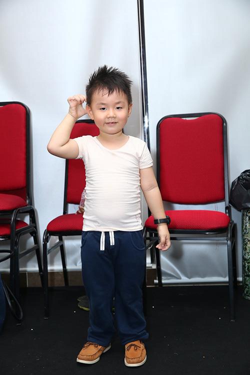 con-trai-le-phuong-tinh-cam-hon-me-1