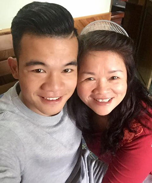 Ngô Hoàng Thịnh đăng ảnh chụp với mẹ và tâm sự 'Mẹ là tất cả'.