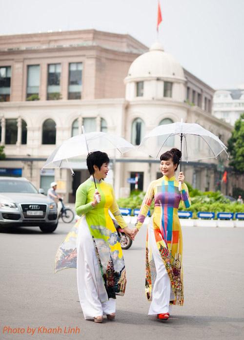 ao-dai-mang-am-huong-van-hoa-nga-cua-minh-hanh-6