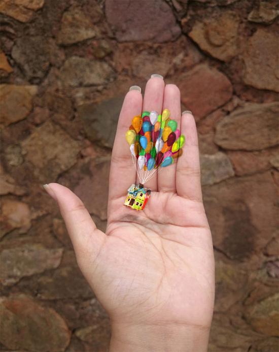 Những hình vẽ 3D siêu thực nằm trọn trong lòng bàn tay