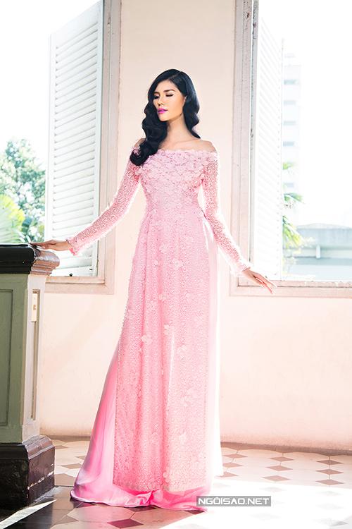Á hậu Kim Nguyên gợi ý áo dài cưới nhẹ nhàng