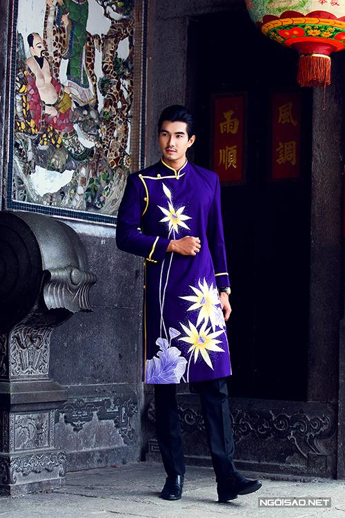 Trịnh Xuân Nhản lịch lãm làm chú rể với áo dài cưới