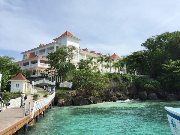 10-resort-tron-goi-tot-nhat-the-gioi-nam-2015-9