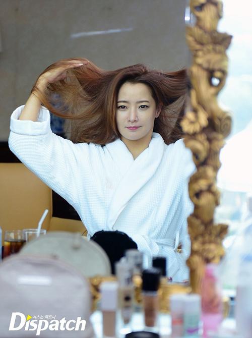 kim-hee-sun-lo-mat-moc-dep-khong-ty-vet-6